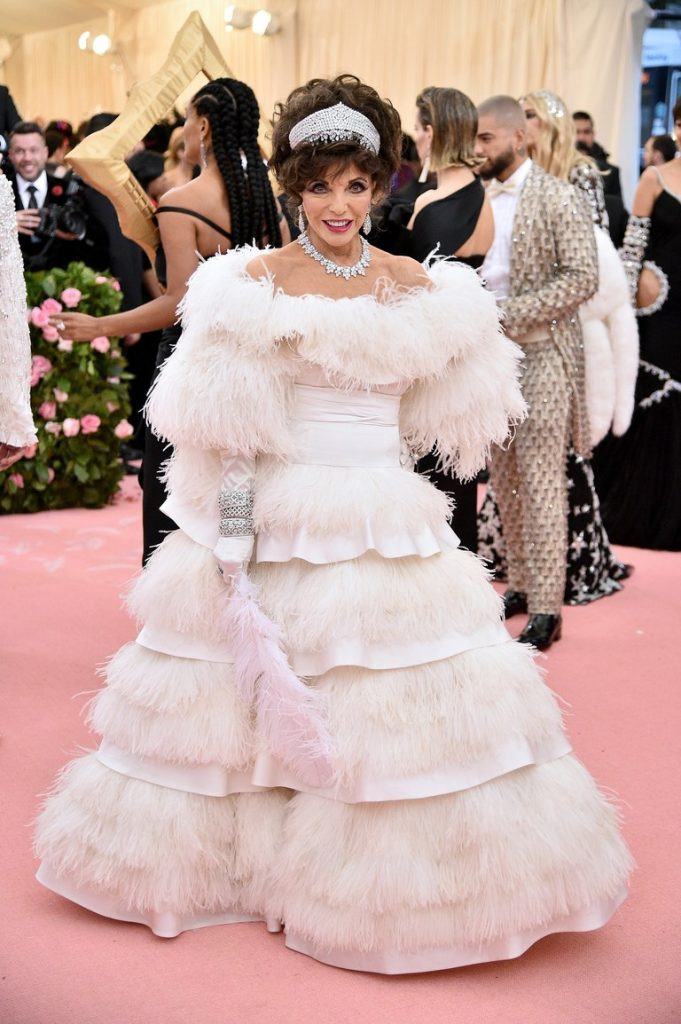 mirada couture met camp notes on fashion fashionbreak joan collins